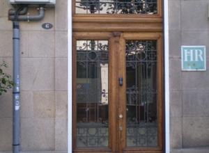 Rehabilitación fachada Hostal